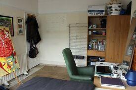 Double bedroom to rent between New Cross Gate and Brockley