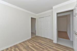 MODERN 2 BDRM PLUS DEN, OFF COMMISSIONERS RD $875 London Ontario image 17