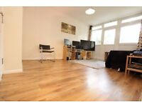 Spacious 1 bed flat in Old Street with private balcony