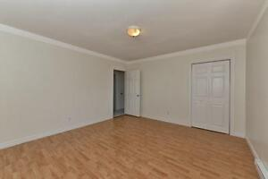 MODERN 2 BDRM PLUS DEN, OFF COMMISSIONERS RD $875 London Ontario image 16