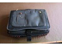 Laptop bag with quintillion pockets...