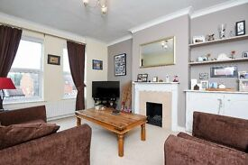 GARRATT - A superb one double bedroom flat to rent well-presented throughout
