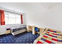 Lovely 3 Double Bedroom flat moments away from West Kensington Station