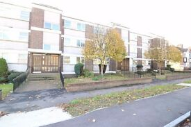 WOODFORD IG8, NEW REFURBISHED GROUND FLOOR FLAT MINUTES TO WOODFORD STATION AND HIGH STREET £230PW
