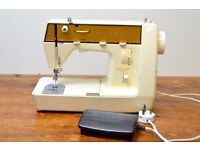 SINGER 385 SEWING MACHINE