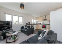 3 bedroom flat in Dewsbury Road, London, NW10