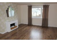 Spacious, unfurnished 2 bed flat in a well maintained block, on street parking, gardens to rear