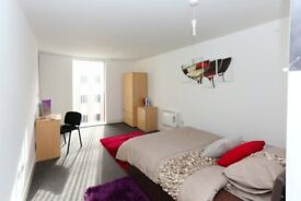 STUDENT ROOMS TO RENT IN MANCHESTER.PRIVATE ROOM WITH BALCONY, WARDROBE, STUDY SPACE AND GYM