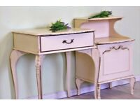 2 X FRENCH LOUIS STYLE BEDSIDE TABLES, SHABBY CHIC - CAN COURIER
