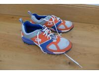 indoor sport shoes / trainers, size 9 (hockey, football,..)