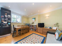 **ONLY SUITABLE FOR A COUPLE** Stunning 2 double bedroom first floor flat located in NewingtonGreen