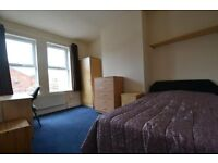 DOUBLE / TWIN BEDROOM !! ZONE 2 ** NORTH WEST LOCATION
