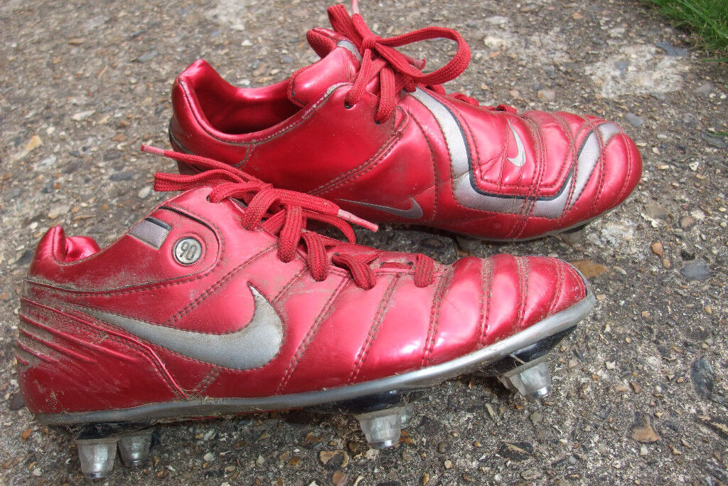 Football boots (good condition)