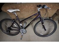 Pendleton Brooke ladies hybrid cycle. Frame - alloy, 26'' wheels, weight 12.55kg approx.