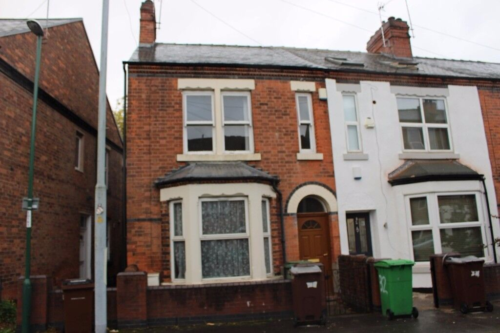 Three Bedroom House in Lenton