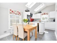 MIDMOOR - SHORT LET. A stunning split level maisonette to let in the Hyde Farm area of Balham.