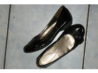 Black patent leather shoes, boxed. Unworn, UK size 4.