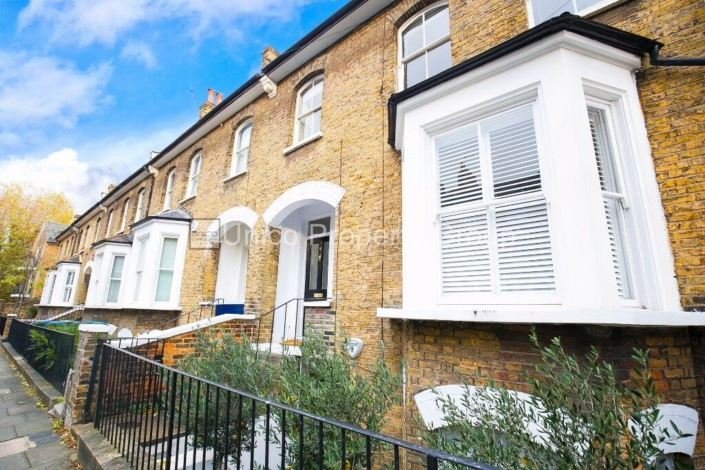 3 bed/bedroom house on Langdale Road, Greenwich, London