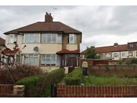 4/5 Bedroom House available minutes walk to Brimsdown Rail Station