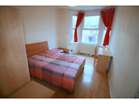 LARGE DOUBLE ROOM IN TURNPIKE LANE
