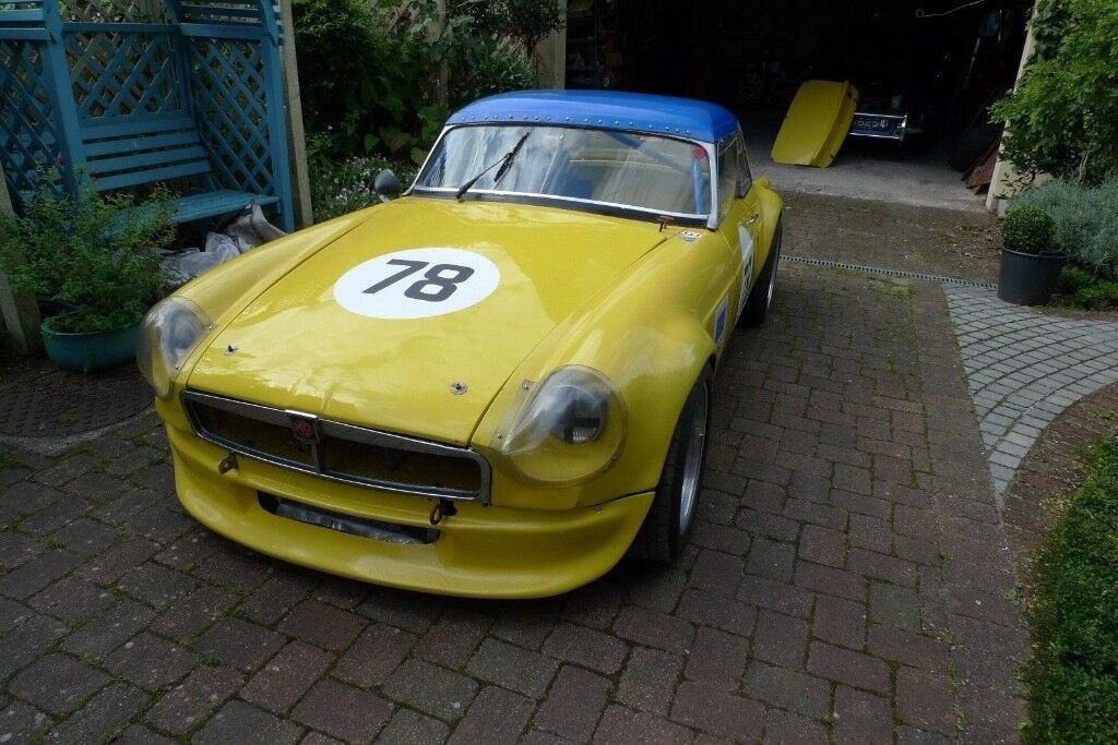 MGB V8 Roadster Race Car - Modifications & tuning conform to MGB Car ...