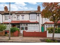 SW17 8SN - MONTANA ROAD - A STUNNING DOUBLE ROOM AVAILABLE FURNISHED 5 MINS FROM TOOTING BEC