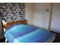 Twickenham High St. Double bedroom
