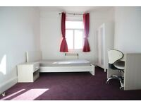 Newly Decorated STUDIO near Brighton Station - Ref. P445