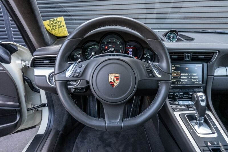Image 8 Voiture Européenne d'occasion Porsche 911 2014