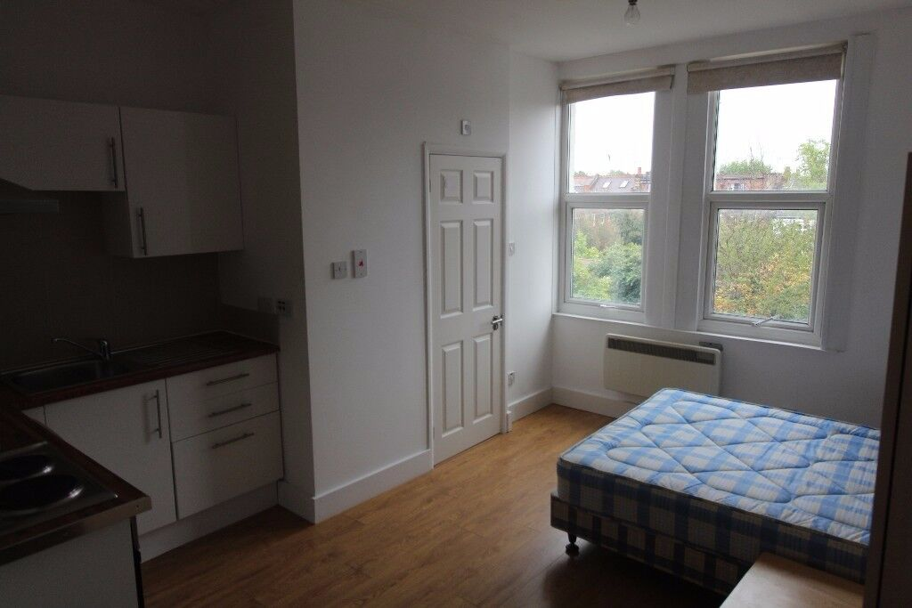 Studio Flat To Rent In Palmers Green