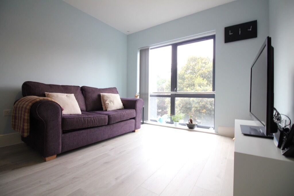MASSIVE LUXURY ONE DOUBLE BEDROOM FLAT IN UXBRIDGE HILLINGDON ICKENHAM WEST DRAYTON HEATHROW HAYES