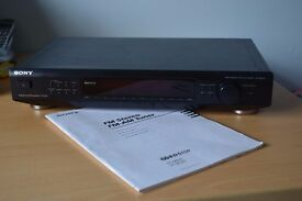 Sony FM-AM Stereo Tuner ST-SE520