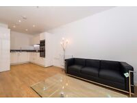 A Stunning 1 Bed Apartment in E16, close to Pontoon Dock DLR station, Concierge, Gym, Balcony- VZ