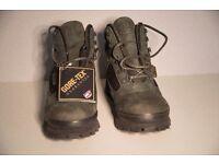 Men's Brasher GTX Gortex lined Walking Boots size 9