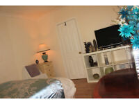 Cosy New Furnished Double Room To Share in Quiet Flatshare