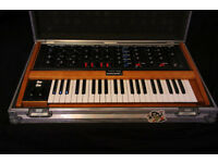 Moog Minimoog Voyager Old School + flightcase