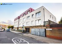 well presented 2 bedroom apartment close to transport, spacious and modern throughout!