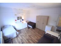TWIN ROOM TO RENT IN MANOR HOUSE AREA GREAT LOCATION CLOSE TO THE TUBE STATION. 13M