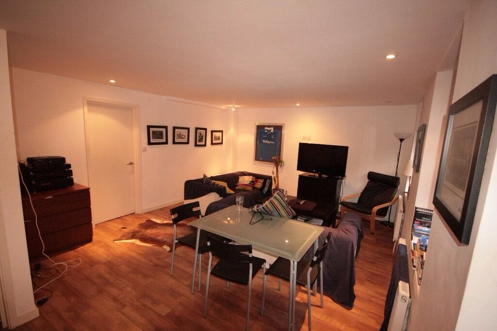 Awesome 2 bed on Brixton road Only 365PW!!