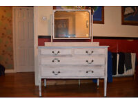 Vintage Chest of Drawers/Dresser (Distressed, shabby-chic)