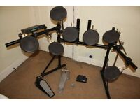 Roland TD-7 Professional Electronic Drum Kit complete with Manual and Stool and Sticks