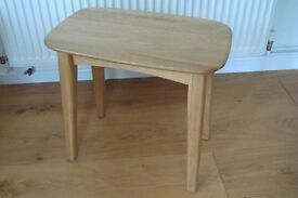 2 RETRO STYLE SOLID OAK SIDE TABLES OR COFFEE TABLES