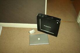 "Apple MacBook Pro 3,1 15"" 15 inch | | 4GB ram -500GB hard drive Intel Core 2 Duo 2.4GHz "