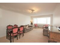 2 bedroom flat in Neeld Crescent, Hendon, NW4