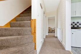 (HMO LICENSE) Stunning 4 Bedroom Semi detached house ( Open viewing Wednesday) contact for info