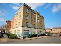 2 bedroom apartment Bath Road-Burnham Train Station