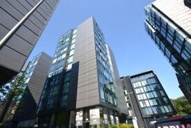 2 bedroom flat in Simpson Loan, Central, Edinburgh, EH3 9GF