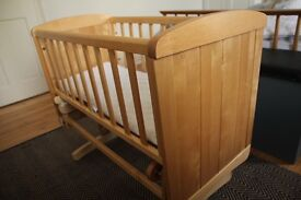 Mother care Deluxe Gliding Crib