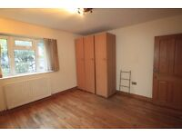 LOVELY LARGE TWIN ROOM TO RENT CLOSE TO THE TUBE STATION IN STOCKWELL AREA 14J