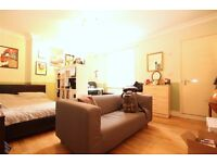 Furnished 3 Bedroom Flat With Garden Close To Dalston Kingsland & Hackney Downs Overground Stations.